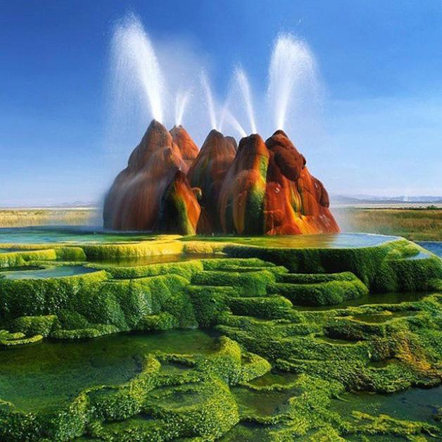 Green-Fly-Geyser-Nevada-Estados Unidos